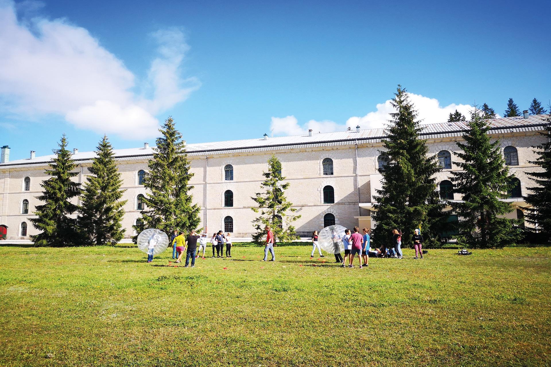 Challenge - activites - cohésion - seminaire - Station des Rousses - Jura - Groupe