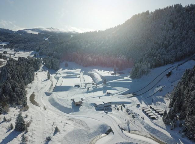 le-stade-des-tuffes-est-situe-a-1-150-m-d-altitude-photo-benjamin-becker-1580630129-111291