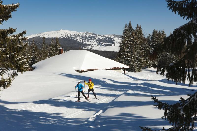 Sejour- ski de fond - raquettes - locations de vacances - Jura - Station des Rousses