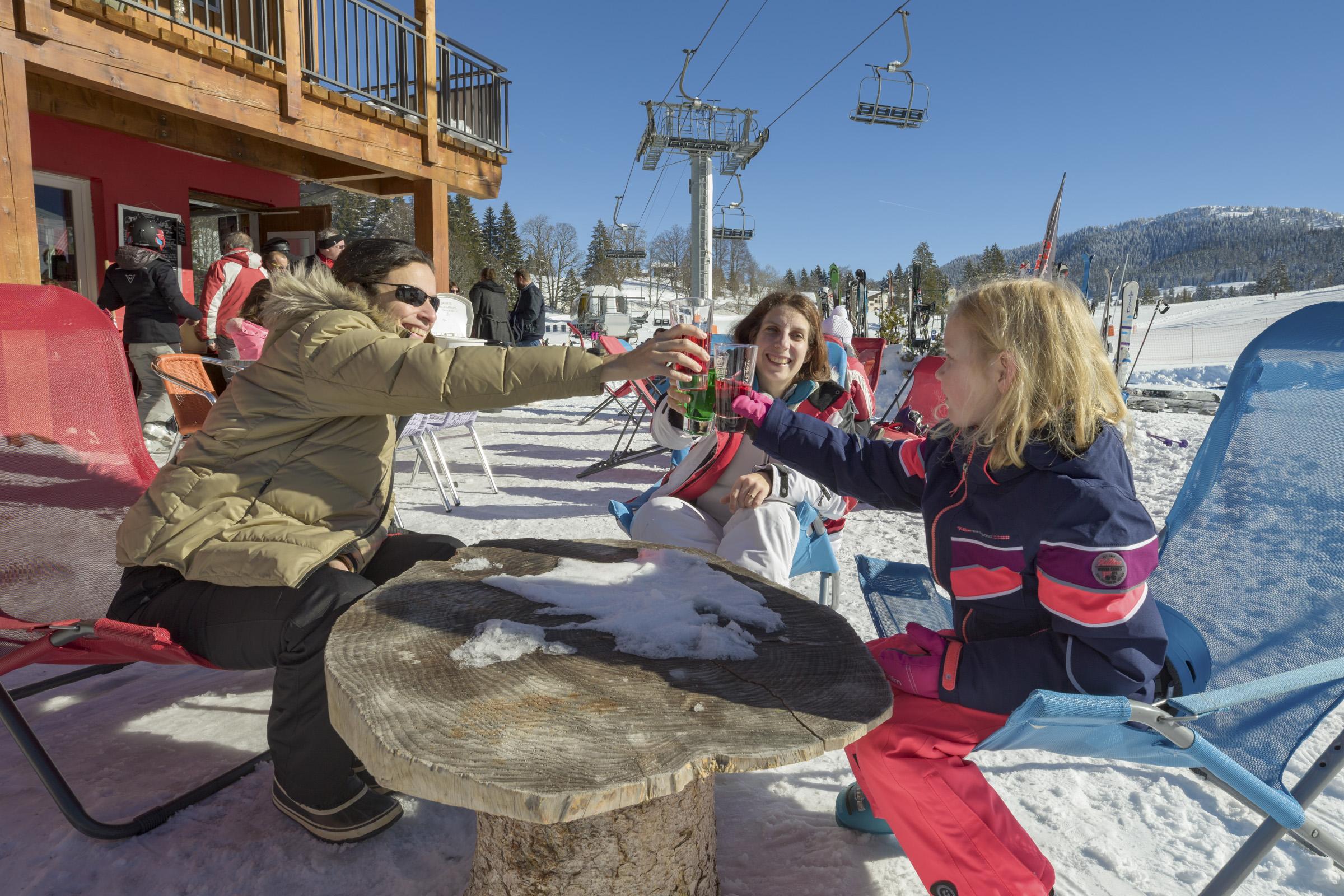 Ski - Détente - Pistes - Jura - Station des Rousses - Groupe